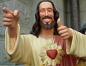 Eine zwinkernde Jesus Statue aus dem Film Dogma.